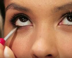 Как подводить глаза карандашом шаг 3