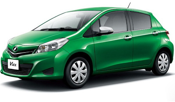 Маленькие машины для девушек Toyota Yaris