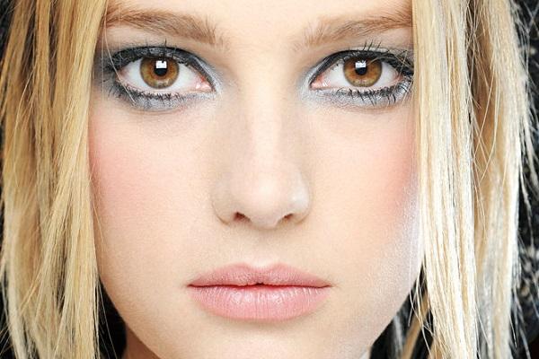 Макияж для карих глаз с бледной кожей