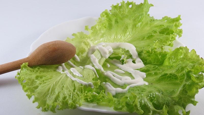 Шаг 7 - сервировка салата