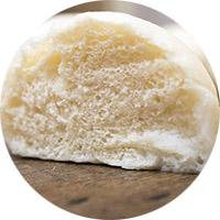 Как вывести жирное пятно мякишем булки