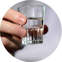 Как вывести жирное пятно спиртом