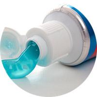 Как вывести жирное пятно зубной пастой