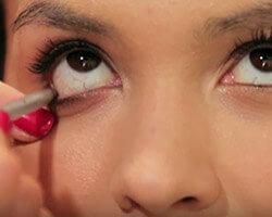 Как подводить глаза карандашом шаг 4