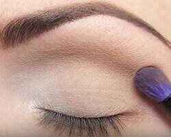 Как правильно красить глаза тенями шаг 2