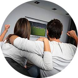 Романтический вечер за просмотром футбола