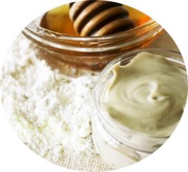 Маска с медом и белой глиной против желтизны волос