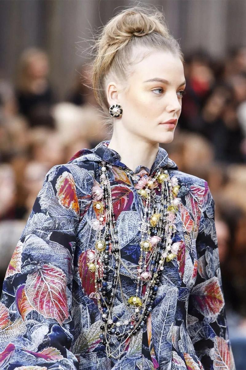 Микс разных украшений Chanel