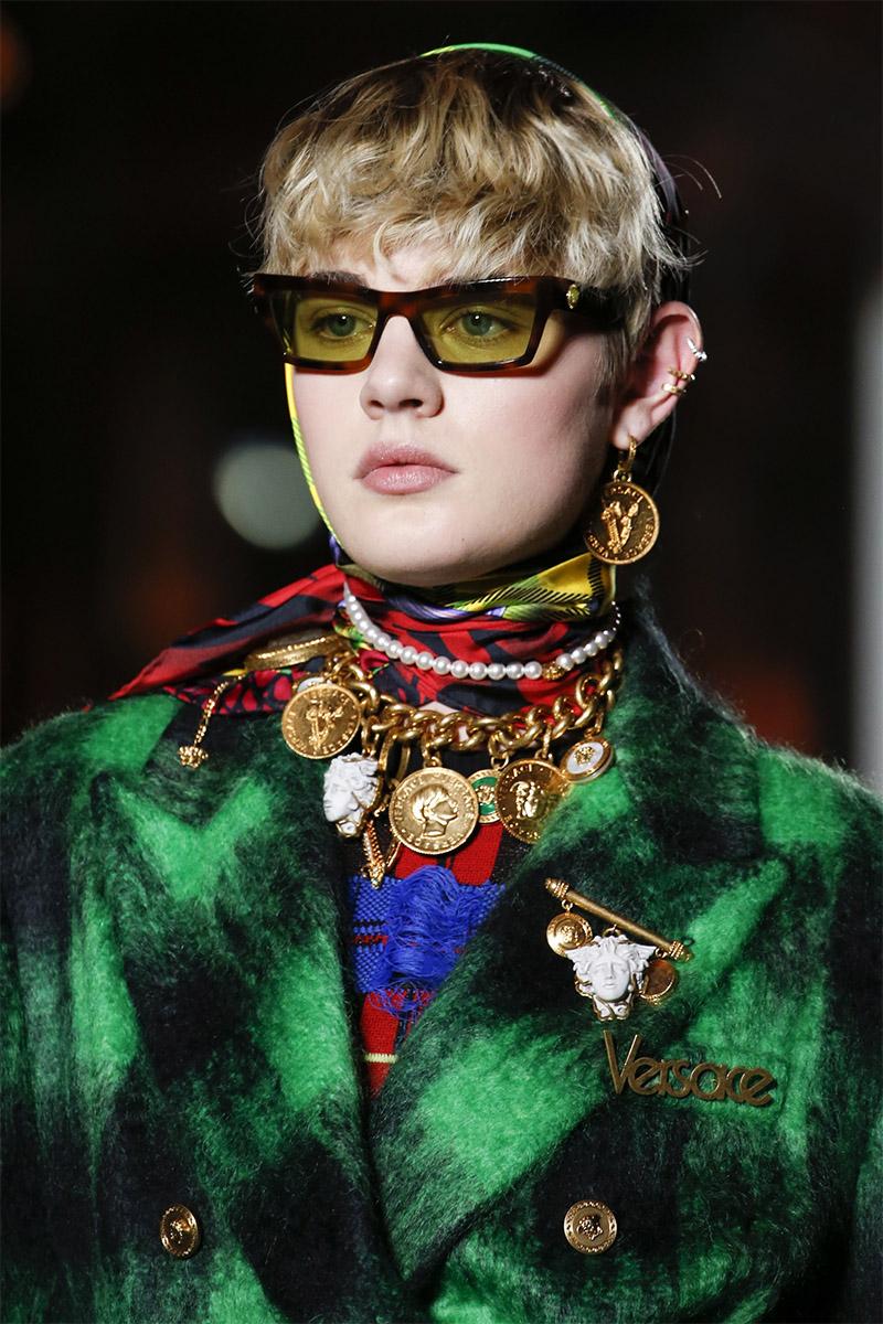 Украшения в стиле барокко и рококо Versace