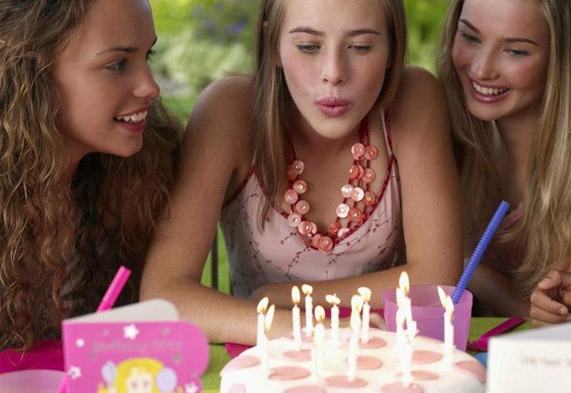 Что подарить подруге на 13-14 лет