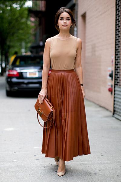 Кожаная юбка плиссе с топом