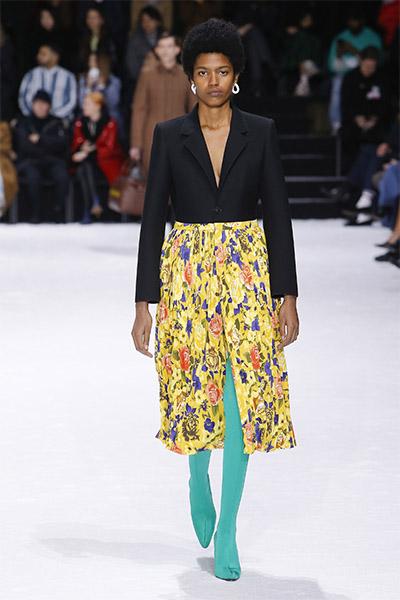 dde6666d909c С чем носить черную плиссированную юбку миди – Блог о рукоделии и моде