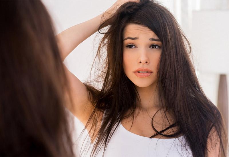 Выпадение волос из-за заболеваний кожи головы