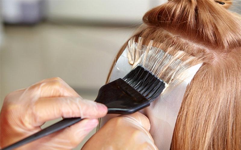 Осветление волос краской