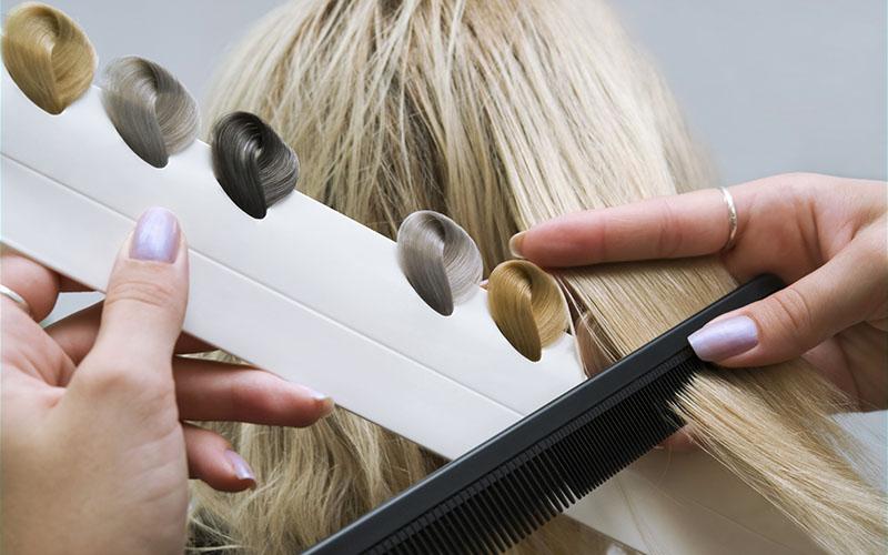 Выбор оттенка для осветления волос