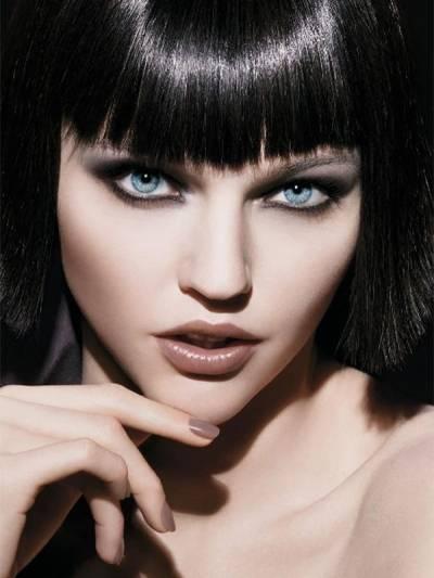 Макияж для голубых глаз брюнеток