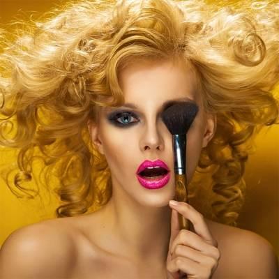 Что мужчинам не нравится в макияже: 8 мифов о красоте