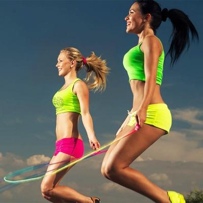 Прыжки на скакалке для похудения: таблица тренировок сколько.