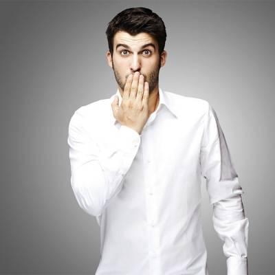 Как по жестам понять, что мужчина врет: 9 явных признаков
