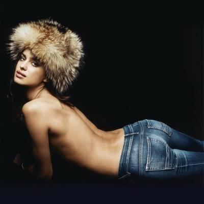 Модные джинсы осень-зима 2019-2020: бананы, глэм-шик и поп-арт