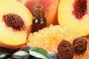 Персиковое масло для волос: лечебные свойства, применение