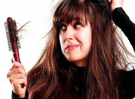 Выпадение волос у женщин: 12 причин и способы лечения