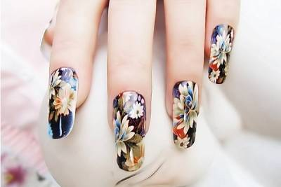 Как нарисовать цветы на ногтях в стиле винтаж