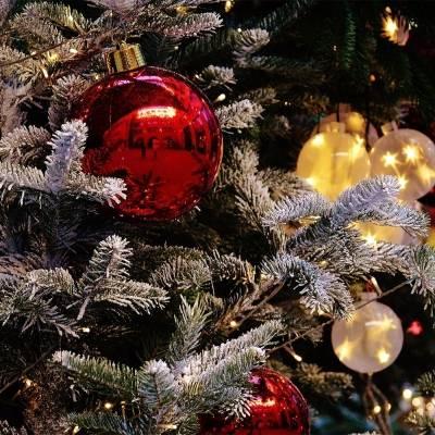Как украсить елку на Новый Год 2020 своими руками + фото