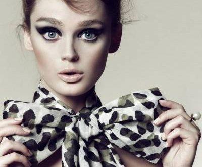 Как завязать платок на шее: 10 модных способов