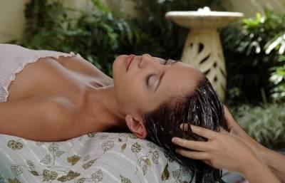 Маски для волос с репейным маслом: польза, рецепты