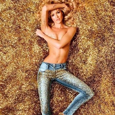 Модные джинсы весна-лето 2020: фото, модели, декор, принты