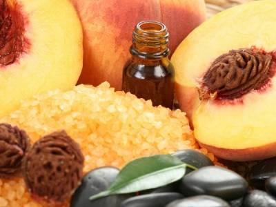 Персиковое масло для лица: полезные свойства и применение