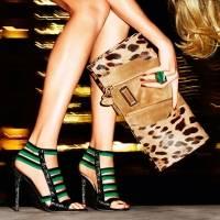 С чем носить клатч и как сочетать с одеждой и обувью