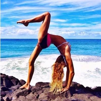 Упражнения на растяжку для начинающих на плечи, спину, ноги